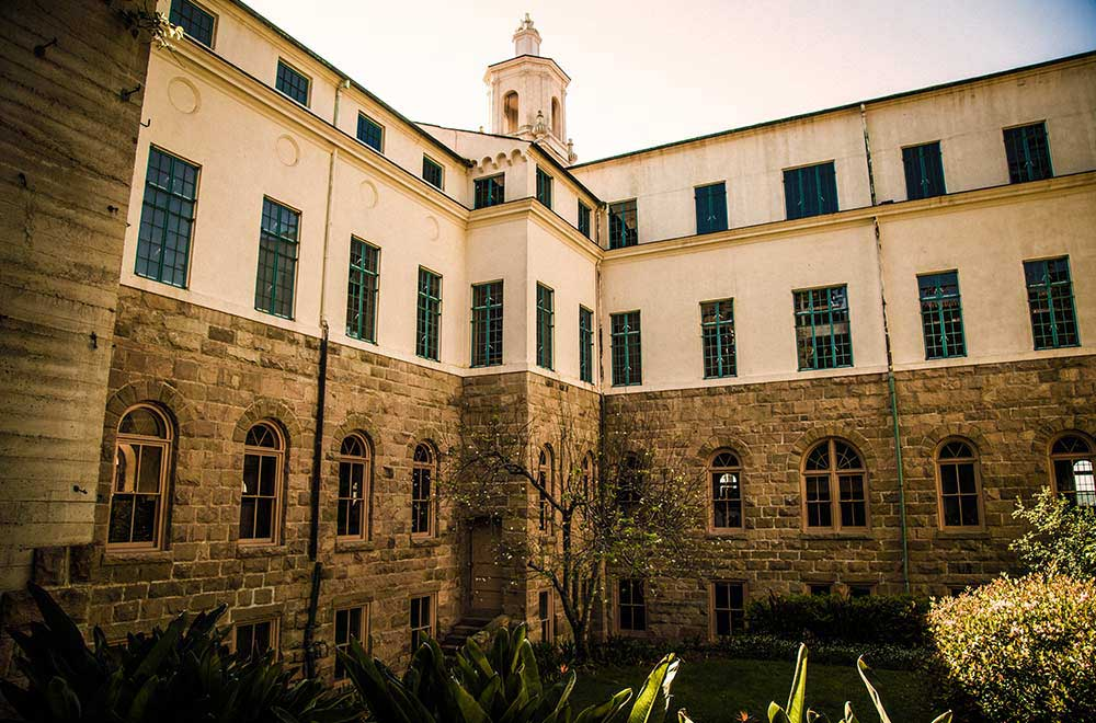 StAnthonys-School-Building-exterior-SantaBarbara-ClergySexualAbuse-Scandal-CatholicChurch-MissionandState